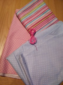 Matching pink fabrics for a quilit